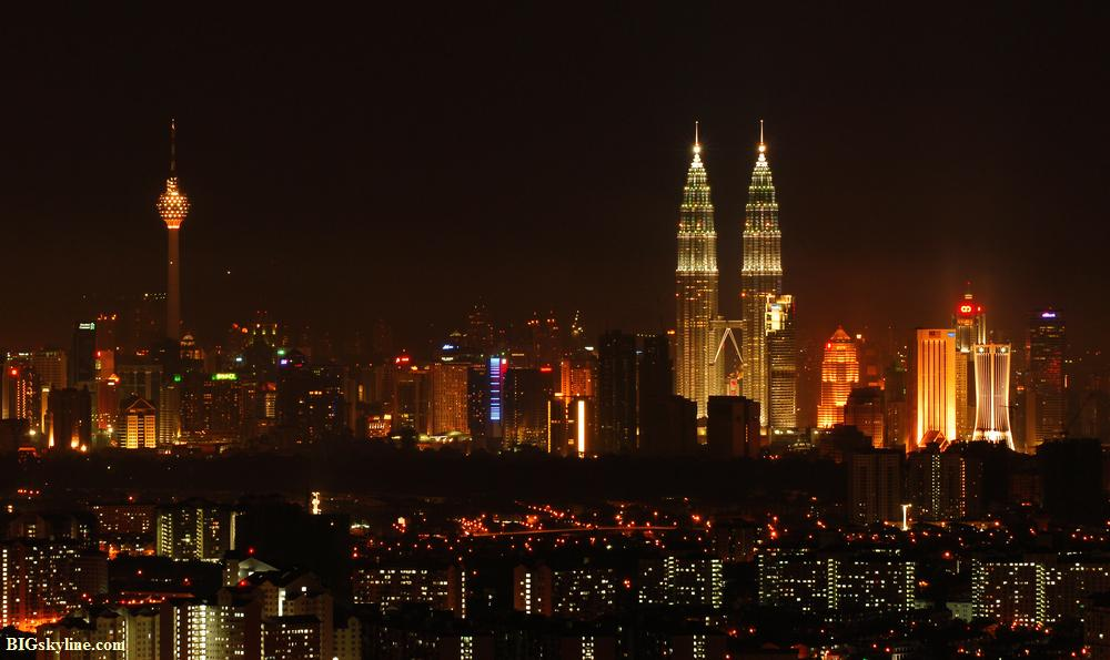 Kuala`s skyline at night